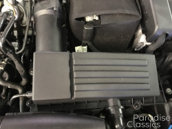 Black 2018 Volkswagen Passat Engine Air Filter