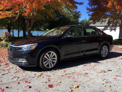 Black 2018 Volkswagen Passat SE W/Technology